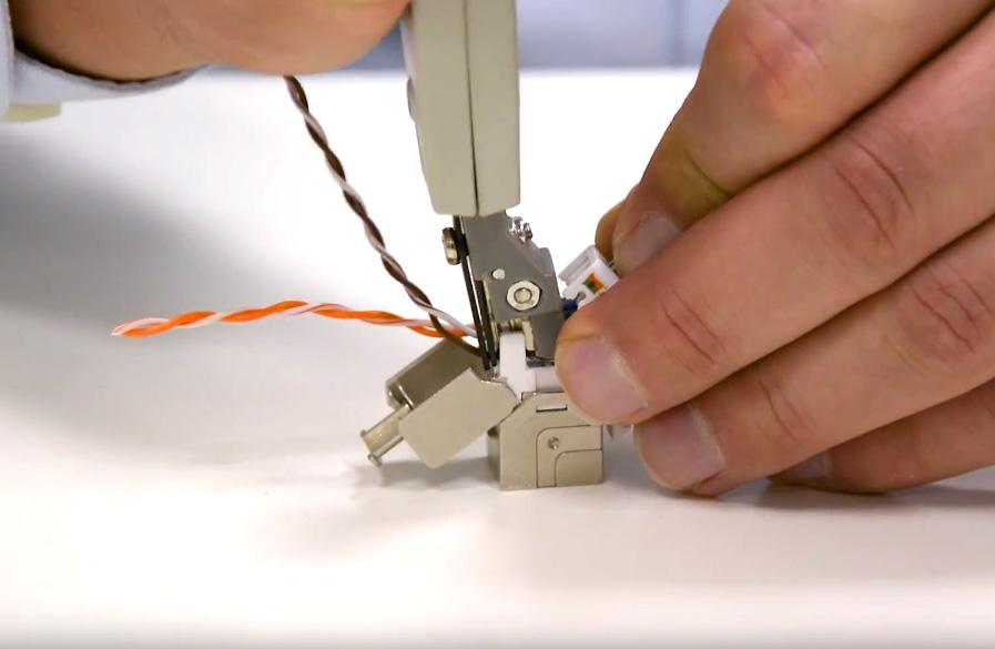 پیچ خوردگی زوج سیم ها بایستی حداقل تا طول 1:2 اینچ (13 میلی متر)